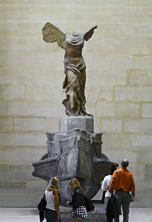 An analysis of the greek sculpture nike of samothrace